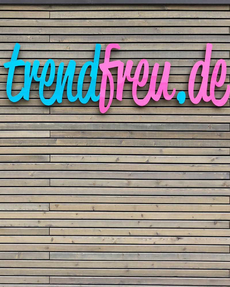 Trendfreu Hechingen Fassadenbeschriftung